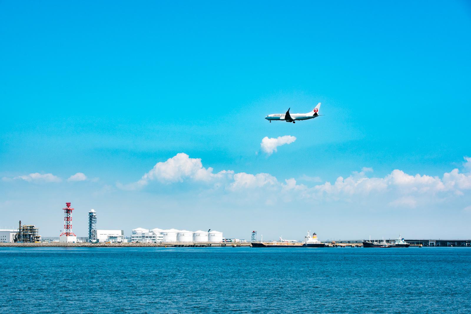 川崎、浮島町公園から着陸する飛行機を撮影してみる