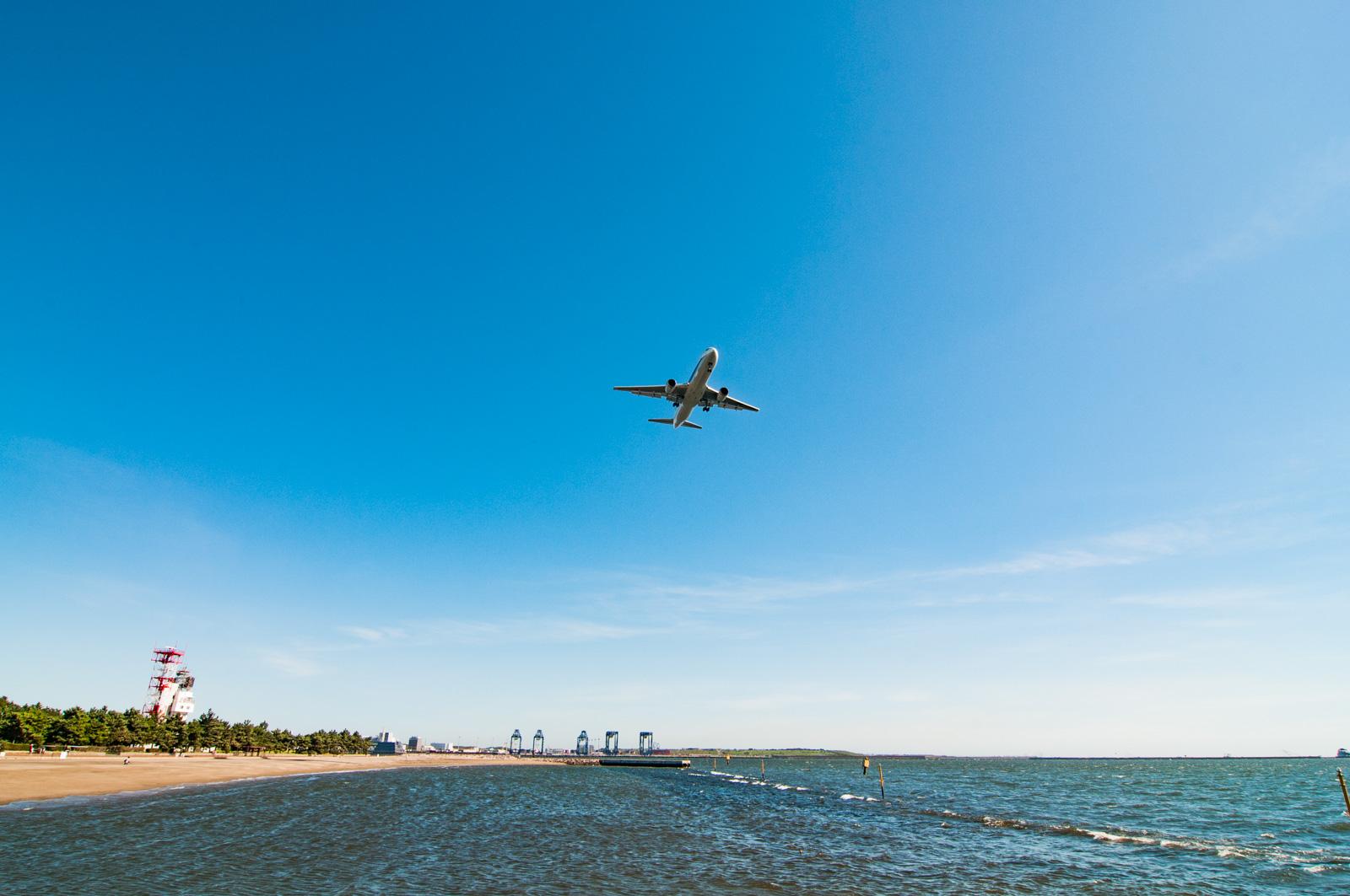 ようやく晴れた日の城南島海浜公園で、羽田沖の飛行機が撮影できました(随分前・・・)