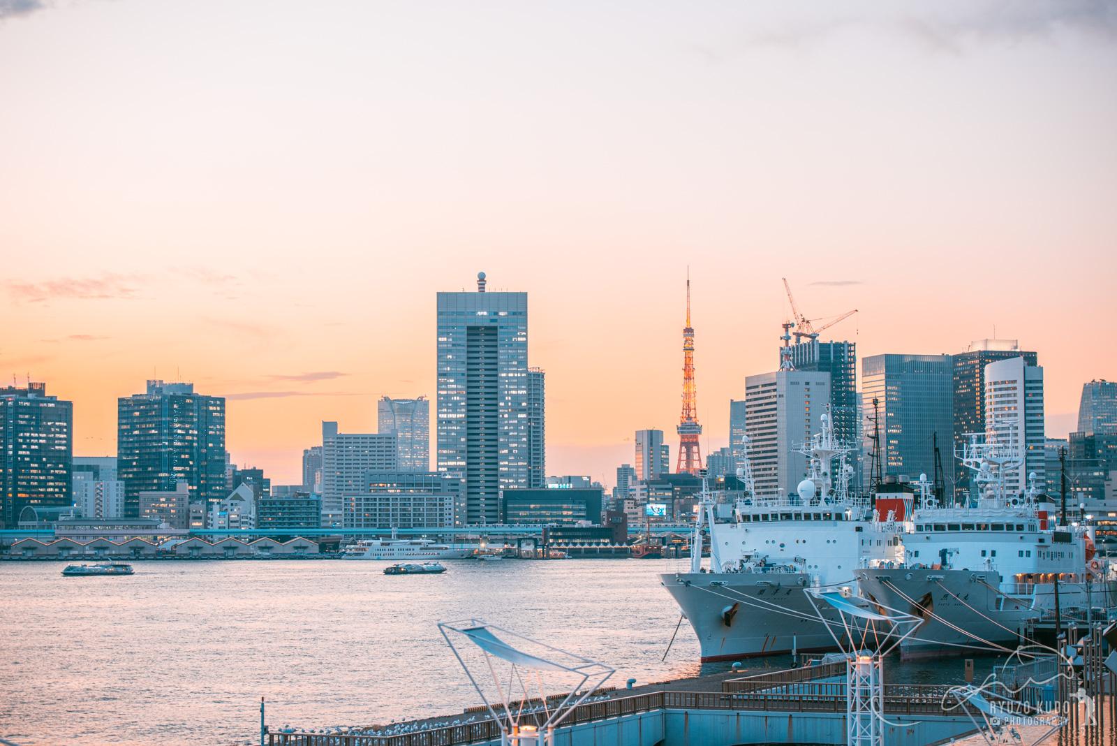 晴海客船ターミナルからの東京夕景